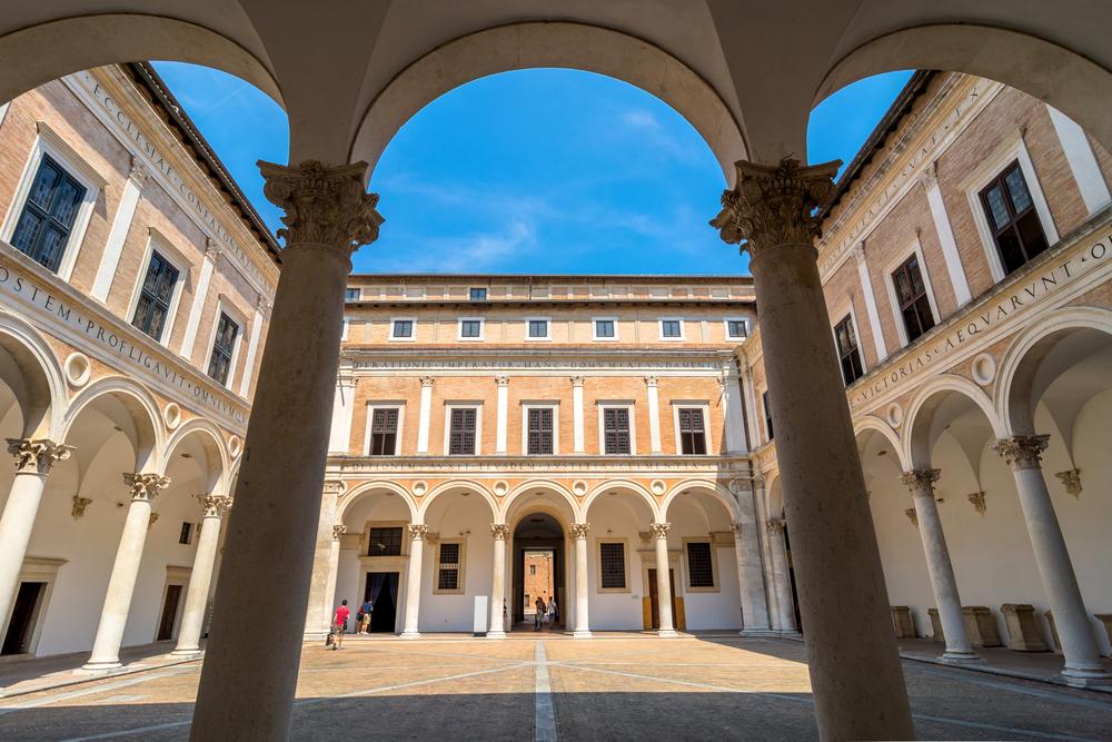 L'Università di Urbino divulga il primo bilancio sociale: impeccabile, come l'Università stessa.