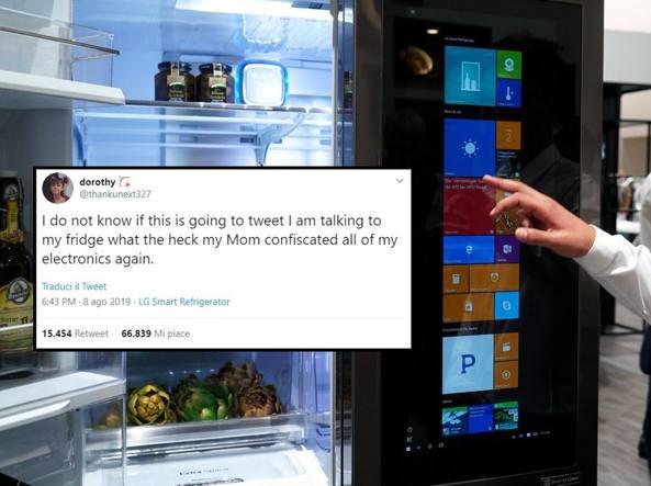 La mamma le sequestra il telefono, la 15enne twitta dal frigo e diventa virale