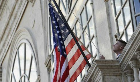 L'offensiva comunicativa degli Usa sull'Italia con Casa Bianca e Pompeo
