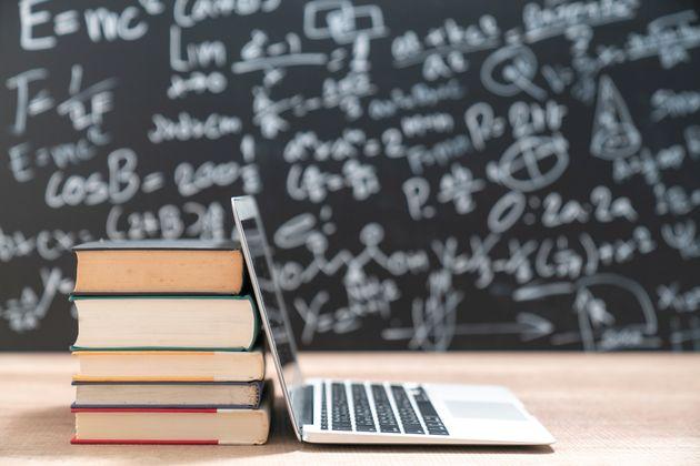 """Filosofia, etica e tecnologia: prendersi cura della """"infosfera"""" costruendo sintesi tra umanesimo e scienza"""