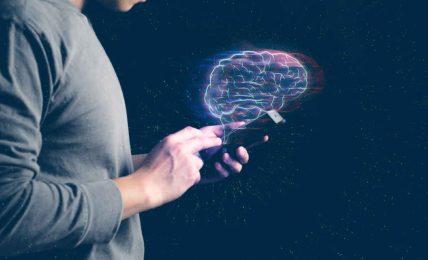 La tecnologia ci sta atrofizzando: gli esseri umani sono meno intelligenti di un secolo fa