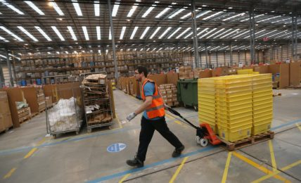 Amazon ha spiato per anni i suoi lavoratori europei più attivi politicamente