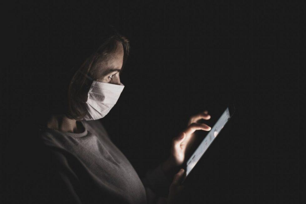 La classifica di Reputation Science sui virologi in tv: chi fa più share, chi si contraddice meno. L'accusa: «La confusione crea notorietà» – Lo studio