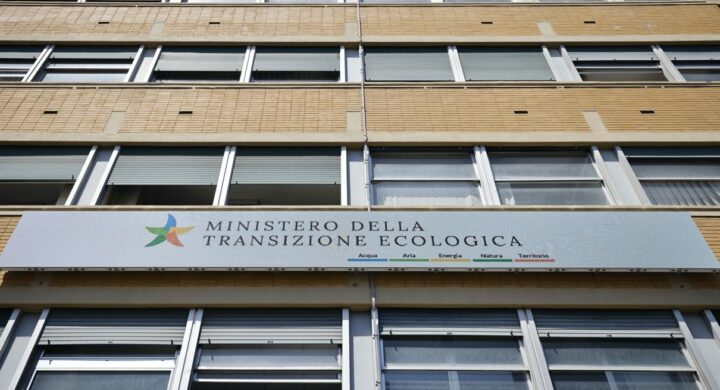 Lobbying, l'eccezione (opinabile) dell'Italia tra privacy e trasparenza